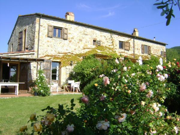 Toscana immobiliare s a s vende rustici casali e poderi for Case interni rustici