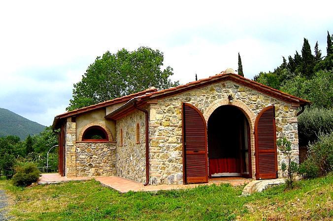 Toscana immobiliare s a s toskana costa degli etruschi - Interni casali ...