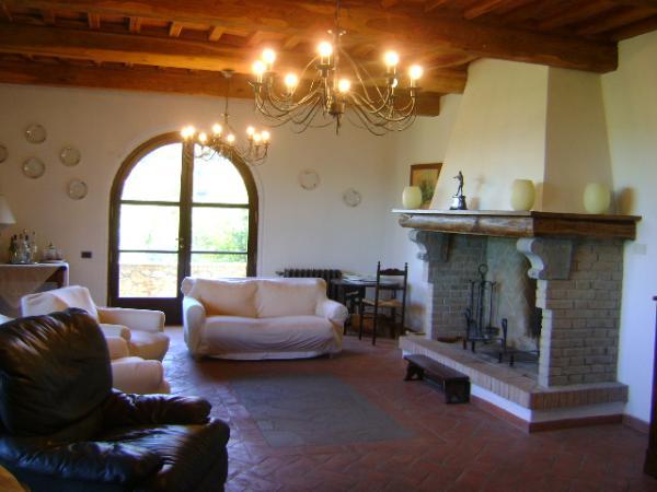 Toscana immobiliare s a s vende rustici casali e poderi in toscana costa degli etruschi e alta - Ville e casali interni ...